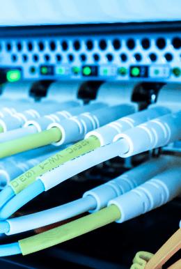 <p>Sieci teleinformatyczne, przewodowe oraz bezprzewodowe</p>